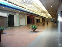 Muscatine mall empty space big thumb