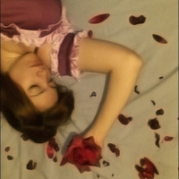 Yuuki_cross_vampire_knight_cosplay_red_rose_sleeping_lillac_opening_dress_cross_academy_big_thumb