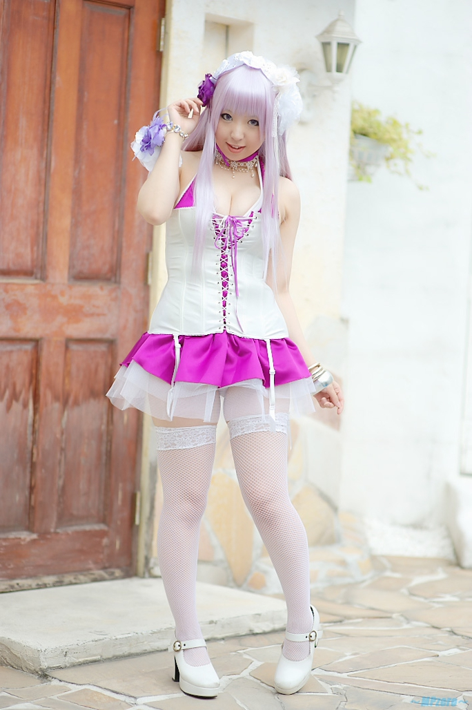 Cute White Cosplay This is supe